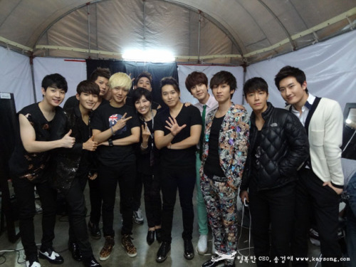 SMTOWN Bangkok Backstage - 04.12.2012 Crédito: 송경애 Compartilhado: reneee @ sup3rjunior.wordpress.com