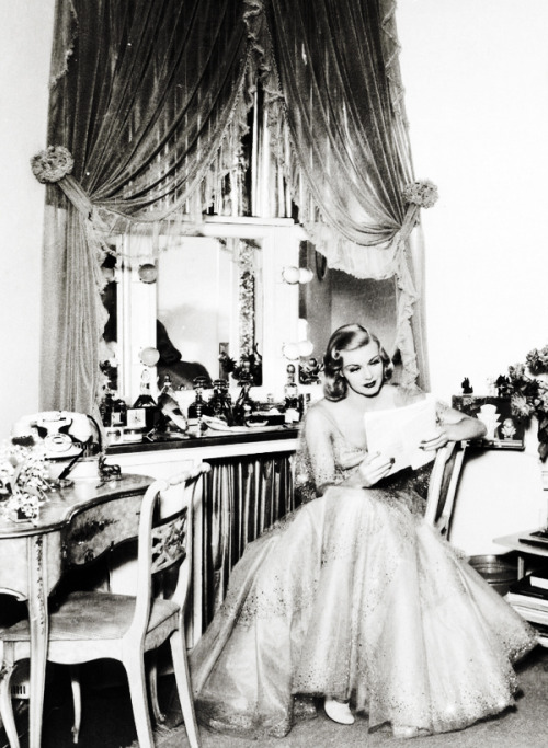 Ginger Rogers at home c. 1939