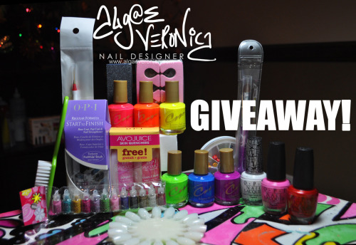 nailsbyveryemily:  lotsafingerpaints:  This is my BIGGEST and LAST GIVEAWAY of the year!!! Check out Algae Veronica's Facebook for details!!!  Check out my friend Algae Veronica's awesome giveaway!!!