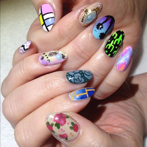 nailgasmdoc:  YESSSSS! #NAILgasm heynicenails:  @remonade mix #nailart 5 nails by Ginny & 5 by Donne (at Hey, Nice Nails!)