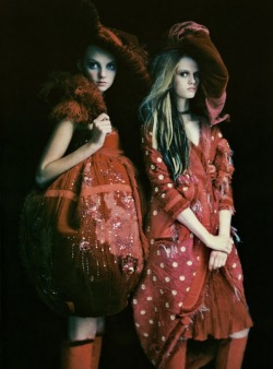 notordinaryfashion:  silte:  Jennifer Pugh and Heather Marks featuring in So Splendid and Magic photographed by Paolo Roversi for Vogue Italia March 2005  I Love this!