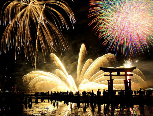 Miyajima Water Fireworks Festival by Sue Ann Simon on Flickr.