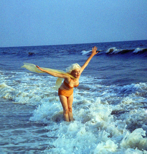 Marilyn Monroe by George Barris, 1962.