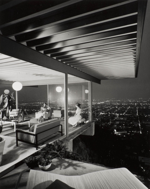 howtoseewithoutacamera:  by Julius Shulman Case Study House #22, Los Angeles, 1960. (Architect: Pierre Koenig)