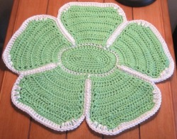 Large Vintage Inspired Flower Placemat/Doily from designsbydewaltz via (copious)