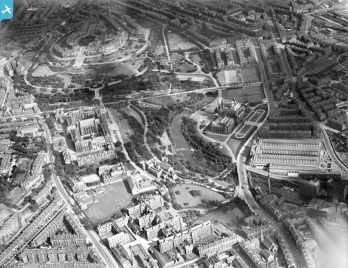 A view of the University of Glasgow and Kelvingrove taken in 1928. You can see from the colour of the stone that the chapel is just newly built (it was dedicated on 4th October 1929). Check out other old pics of Glasgow at www.britainfromabove.org.uk. (Image reference SPW022204) I am actually missing Glasgow :/
