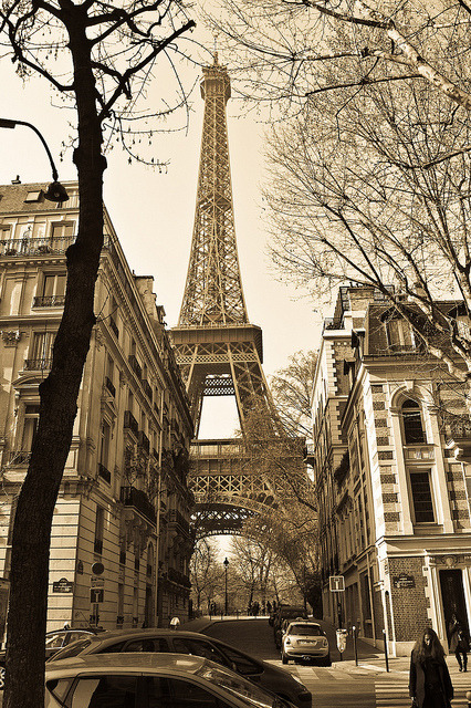 parisbeautiful:  Paris by esartee (Steve) on Flickr.