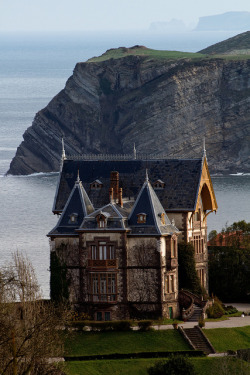 vacationinparadise:  Casa del Duque in Comillas, Cantabria, Spain (by ballesdavid)