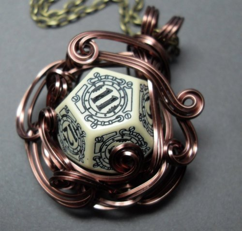 gnobrin:  (via Die Steampunk Middle Earth Inspired Necklace by ~sojourncuriosities on deviantART)