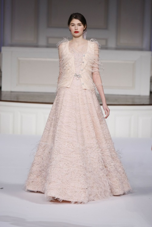 game-of-style:  Sansa Stark - Oscar de la Renta Pre-fall 2011-12