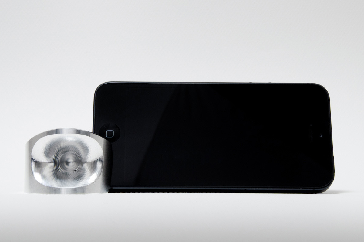 We are proud to announce that the Sonastand 5 for the iPhone 5 is available to purchase!