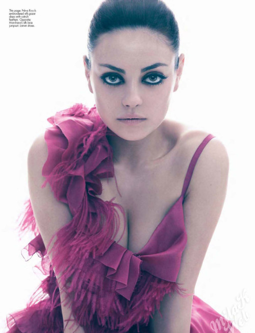 10knotes:  Check out Mila Kunis: Sexiest Woman Alive! We think these pics are stunning!