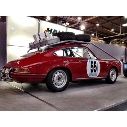 Last one of the double-nickel #porsche #rally #roofrack #kitchensink #wifepacked