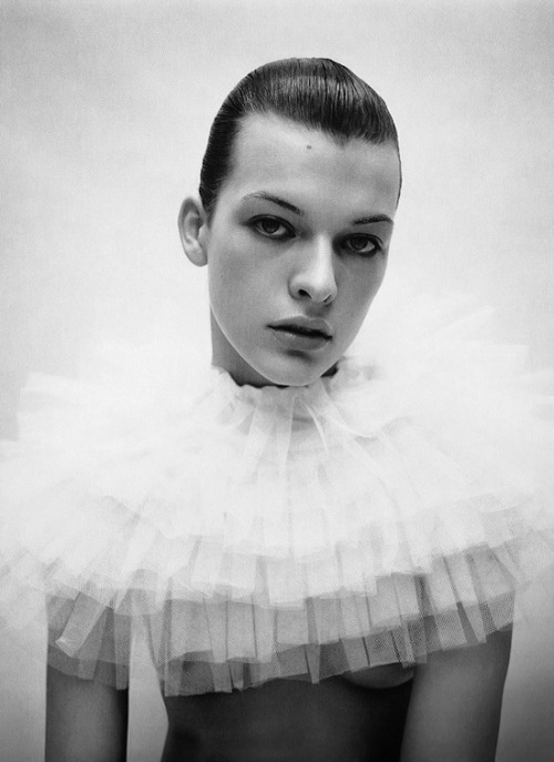 theideaofsimplicity:     Milla Jovovich, by Mario Sorenti for i-D.   For the Inspiration & mood board