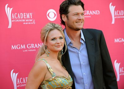 41/200 pictures of Blake and Miranda