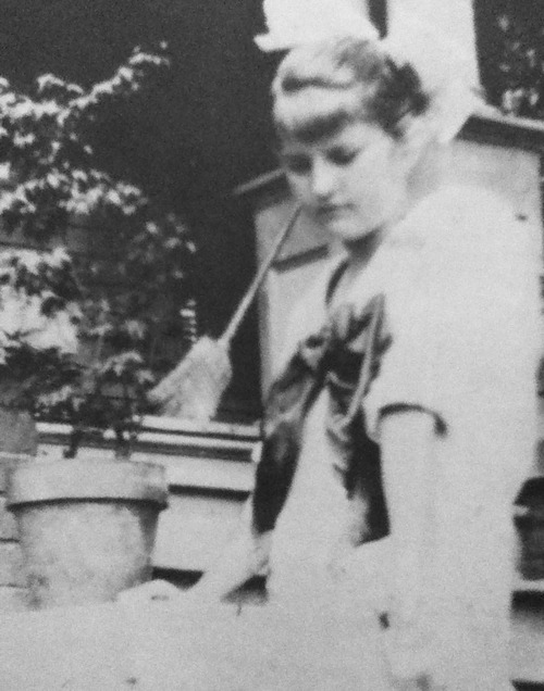 Zelda Fitzgerald (then Zelda Sayre) photographed at her home in Montgomery, 1914