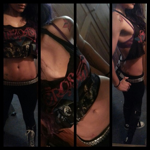 aerosmith concert 'fit..  cant see the chains i added to the back of the shirt :(