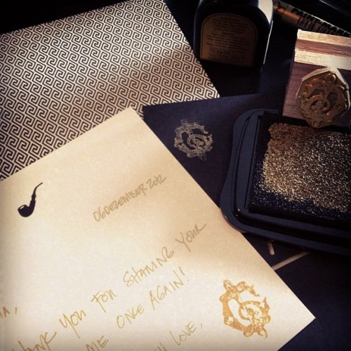 Gold metallic stamp pad and my logo💛. Will do this for my thank you notes from now on ☺