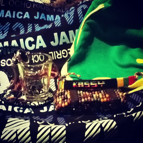 Pretty things from Jamaica! 💛💚❤ • #jamaica #love #fashion #jewellery #shotglass ☀