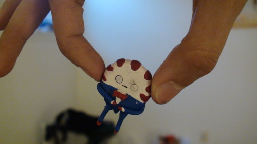 :P teeny photoset of my unbaked peppermint butler. After seeing All the Little People the other night, all I was thinking was, damn, I have a lot of those teeny people, and hey, maybe I should start making more around the same size so I can have a bag of them at some point :). But yeah, future plan is probably make a Marceline in order to pose with the butler, then I'll be able to bake and keep as a piece just like my Marcy/Simon piece.