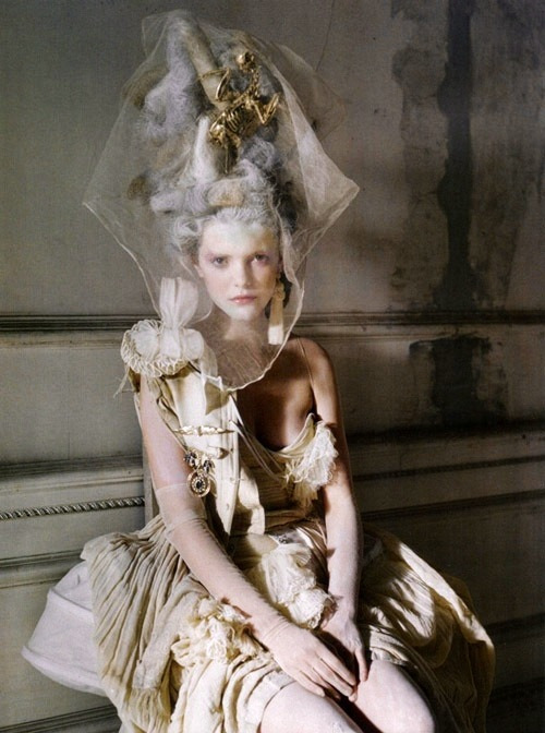 hotfashionbitch:  Marie Antoinette: Let Them Eat Cake fashion #TheAtoinetteBitchGotHerCakeForSure