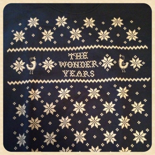 assachusetts:  My TWY Christmas crewneck came in the mail today🎄 (at POSI XMASX)
