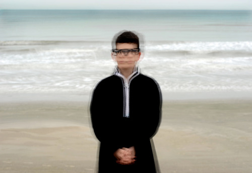 5 moment portrait of a boy at the ocean photography © 2012 debora smail