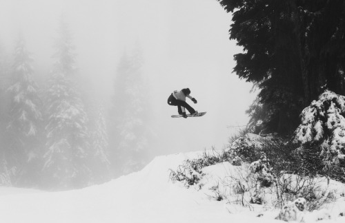 Mount Seymour opens tomorrow! See ya'll there!  benngie:  Fancy tweaked grabber thing through the fog and stuff.