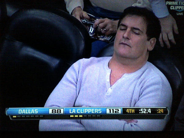 Look at this Mavericks fan.