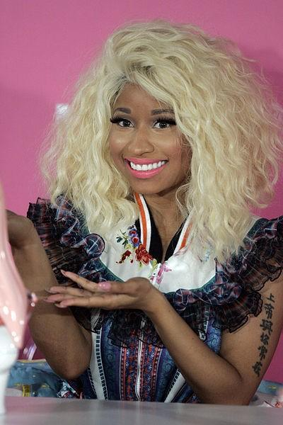 yourniggasabitch:  a picture of nicki minaj holding her grammy.  Spilled juice all over my laptop lmfaooooooooooooooooooooooooooooo