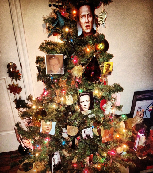 tastefullyoffensive:   Walken Around the Christmas Tree
