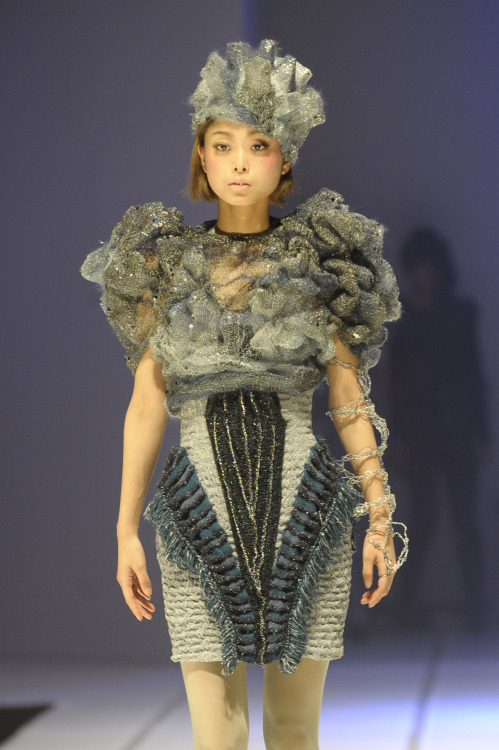 Incredible 3d structured knitwear with cosmic style, Bunka Fashion College show