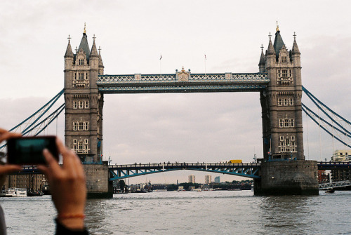 celestialtheory:  tower bridge by Auntie Ivy's Kitchen on Flickr.