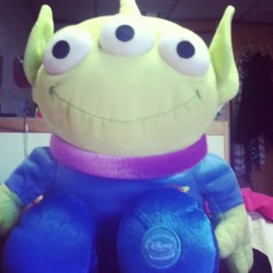 Mr.Waffles says hi. #toystory #alien #theclaw 👽 ✨🌟💫