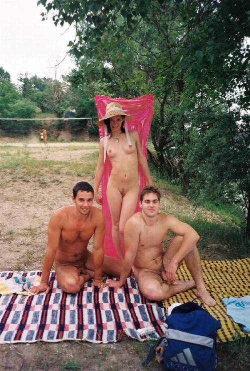 ohnesans:  naked in Hungary (3)
