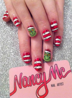 Grinch nails for my beautiful twinny ♥