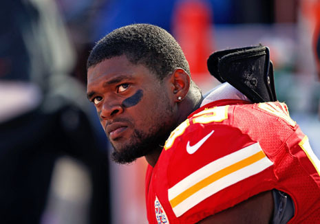 Amy Davidson: Bob Costas was right to bring up Jovan Belcher's guns. Now can we talk about the role of guns in domestic violence, too? Continue reading: http://nyr.kr/TLLbMD  Photograph by Jamie Squire/Getty.