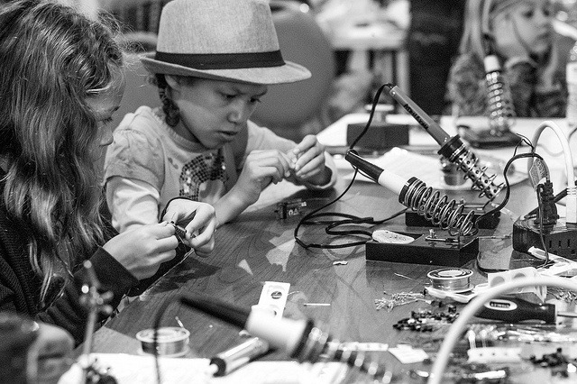 Girl's with soldering irons? That's awesome.Los Angeles Makerspace, A Community Space For Makers of All Ages (via laughingsquid)