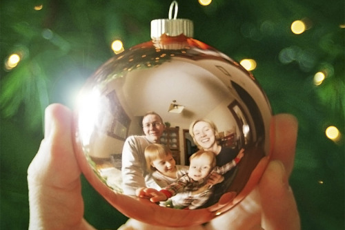 "photojojo:  10 Most-Fun-Ever Holiday Photo Ideas! Mall-elves will be trembling in their pointy little boots because we have the most fun holiday photo ideas evarrr (or at least of 2012). Here they are in short, but also, here's the full guide. Multiple Exposures ""Snow"" suspended mid-air Your family reflected in an ornament Head swap! Switch everyone's heads or faces for a LOL. Crafty backgrounds: chalk paint, tinsel, wrapping paper, tree lights! 70s/80s style studio portrait The Christmas tree lot! Custom-shaped bokeh Tree lights as a light source Levitation! Photos clockwise: Our Nifty Notebook, Jonathan Arnold, Valerie Chiang, Beth, and Haley Sheffield"