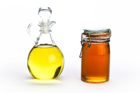 Learn How To Make A Olive Oil Honey Mask For Dry Brittle HairIs your hair dry, brittle or hard to manage? Olive oil and honey, can be used to infuse your hair with moisture, and fortify your tresses! Learn how to make this amazing all natural hair mask, to improve the quality of your hair! http://www.wikihow.com/Make-an-Olive-Oil-Hair-Mask Share This Content Photo Courtesy Of http://www.moneyaftergraduation.com/2012/08/02/honey-olive-oil-hair-mask/