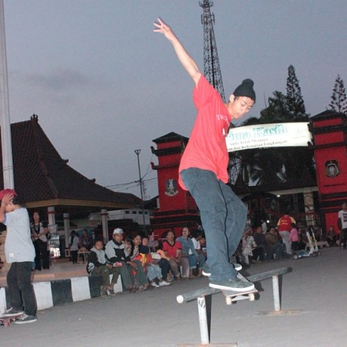 Fs feeble grind #skateboard #blitar #love #instagood #indonesia #instagram #iphonesia