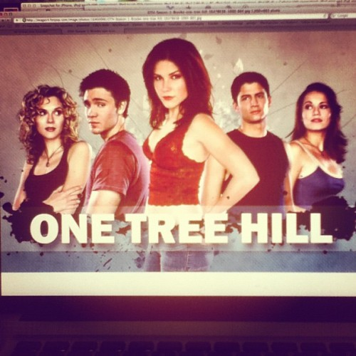 One tree hill blogging since I can't sleep Season 1