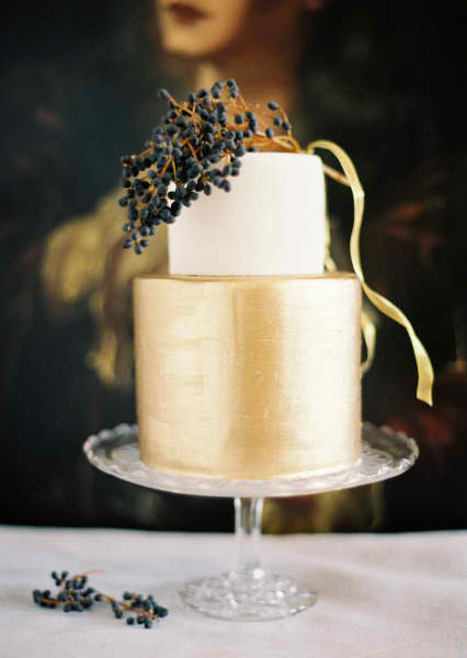 Stunning wedding cake!