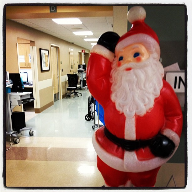 Santa watching over the ER - #911 #emt #ems #er #emergencyroom #hospital #emergency #lacounty #la #ambulance  (at AMH - ER)