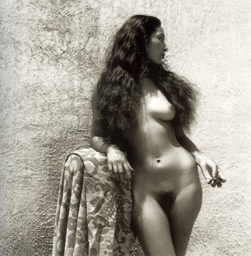 lustandallure:Nievis by Fritz Henle 1943