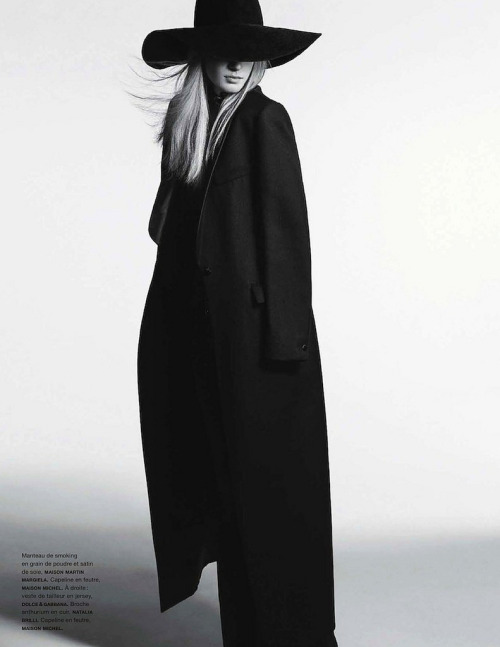 blankmotion:  Julia Magazine: Numéro #139 December/January 2012/13Model: Julia NobisPhotography: Anthony MauleStyling: Samuel François