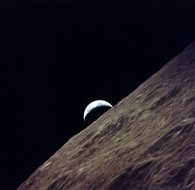 spaceplasma:  Apollo 17 Earthrise from lunar orbit. Credit: NASA