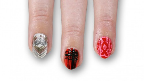 HOLIDAY NAIL ART INSPIRED BY THE RUNWAYby Look TV http://bit.ly/VofGYn