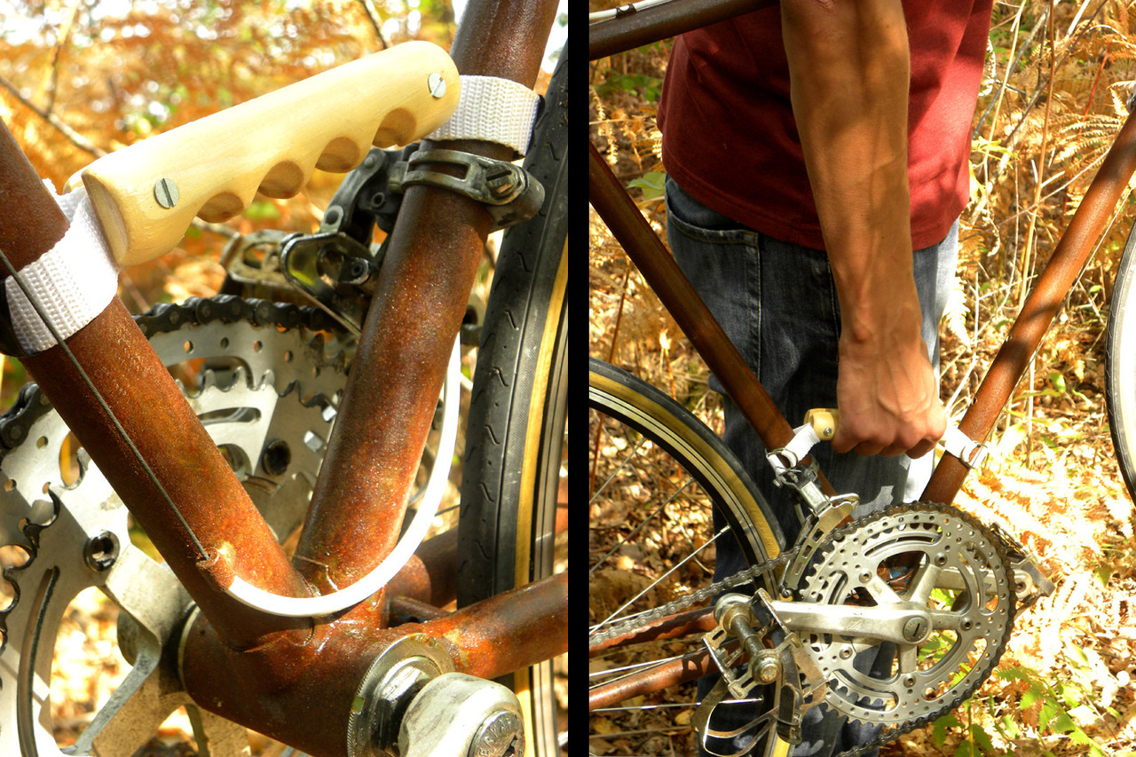 Wood'insane cyclists tool by Renaud Fully handmade by Renaud, its shape and footprint carved from old sleeves or other pieces of wood gleaned, fit perfectly in your hand so you can easily transport your cycle.