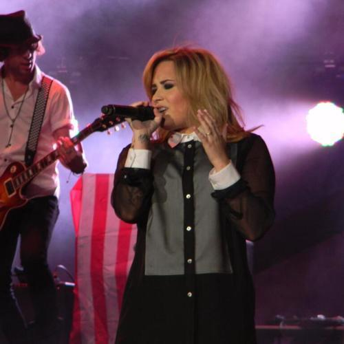 Demi Lovato - Made In The USA (Live)